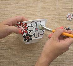 Decupagem com tecido para customizar porcelanas