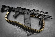 Tactical shotgun, there's almost too much awesome. Tactical Shotgun, Tactical Gear, Tactical Survival, Weapons Guns, Guns And Ammo, Zombie Weapons, Rifles, Bushcraft, Home Defense