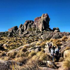 Aproximando de Prateleiras. #abussolaquebrada #prateleiras #itatiaia #trekking #climbing #Brasil #brazil #aventura #adventure