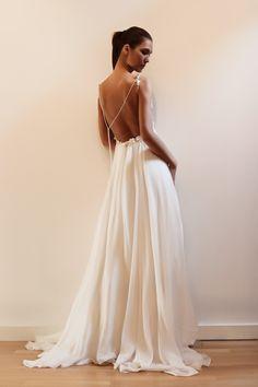 Es precioso este vestido de #novia de Francesca Miranda, verdad? / This #wedding dress is beautiful, isn't it?