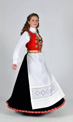 Costumes Around The World, Christmas Tree Farm, Folk Costume, Ethnic Fashion, Traditional Dresses, Costume Design, Norway, Culture, Knitting