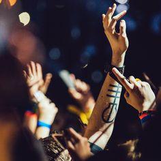 💌 ┊͙ 𝚏𝚘𝚕𝚕𝚘𝚠 𝚖𝚎 𝚏𝚘𝚛 𝚖𝚘𝚛𝚎 𝚊𝚗𝚍 𝚑𝚊𝚟𝚎 𝚊 𝚖𝚊𝚐𝚒𝚌𝚊𝚕 𝚍𝚊𝚢! @𝐜𝐲𝐚𝐧𝐢𝐝𝐞𝐫𝐞 Tyler And Josh, Twenty One Pilots, Eight, The Twenties, Aviation Insurance, Tattoo Art, Concerts, Emo, Singers