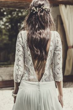 21 Effortlessly Beautiful Boho Wedding Dresses wedding dresses photo 2019 Get inspired with these 20 beautiful dresses and found out where to buy your own dream boho wedding dress. Laura Lee, Bohemian Mode, Boho Chic, Bohemian Hair, Bohemian Weddings, Hippie Bohemian, Indian Weddings, Boho Wedding Dress, Wedding Gowns