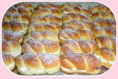 Pudinkáče s karamelovým pudinkem. *** Recept zde : http://www.maminyrecepty.cz/recepty/moucniky/pudinkace/