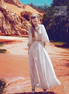 Harper's Bazaar Mexico: En El Paso De Las Hadas  Photo: Kevin Sinclair  Stylist: Andrew Holden  Hair: Dennis Fei  Makeup: Nam Vo  Model: Marcelina Sowa