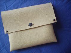 Handmade bag!  MORE HERE:https://www.facebook.com/handmadeclao and here:http://handmadeclao.blogspot.ro/