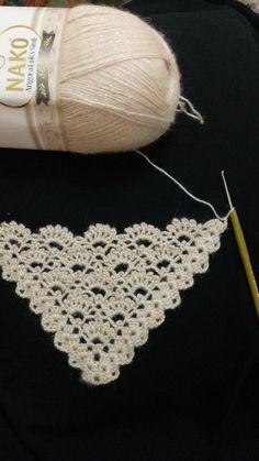crochet shawl with fan pattern Easy Knitting Patterns, Shawl Patterns, Crochet Stitches Patterns, Thread Crochet, Poncho Crochet, Crochet Scarves, Crochet Lace, Free Crochet, Crochet Wedding