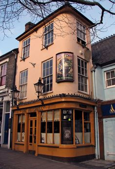The Nutshell, Bury St Edmunds | 25 Pubs You Must Drink In Before You Die  - looks so lovely!!