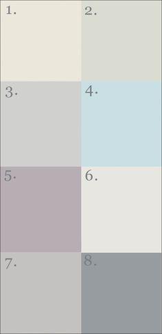 couleurs parures de lit en lin (sauf 2 et 4) sur lit+sommier+palettes dans une chambre aux murs blancs, grands tableaux au sol, accessoires vieux bois, blancs et noirs - Love it !!