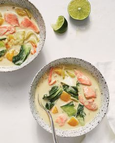 This easy riff on a Thai staple gets big flavor from four basic ingredients: curry paste, coconut milk, yellow bell pepper, and bok choy. It& even heartier ladled over short-grain brown rice or Asian noodles. Easy Salmon Recipes, Fish Recipes, Seafood Recipes, Asian Recipes, Dinner Recipes, Cooking Recipes, Healthy Recipes, Healthy Wraps, Veggie Recipes
