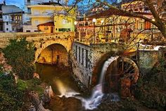 Kyra Springs in the heart of Livadeia town, central Greece  Ah, gorgeous!