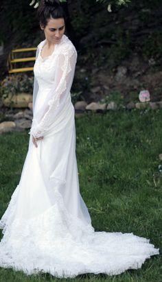 Dream Vintage Lace Wedding Dress by fashionREdesign on Etsy, $265.00