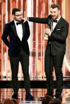"""Sam Smith ganha o Oscar de melhor canção original por """"Writing's On The Wall"""" #007, #Ator, #Cantor, #Filme, #Gay, #Hollywood, #LGBT, #M, #Mundo, #Musical, #Noticias, #Oscar, #Polêmica, #Pop, #Popzone, #Prêmio, #Racismo, #Spectre, #Twitter http://popzone.tv/2016/02/sam-smith-ganha-o-oscar-de-melhor-cancao-original-por-writings-on-the-wall.html"""