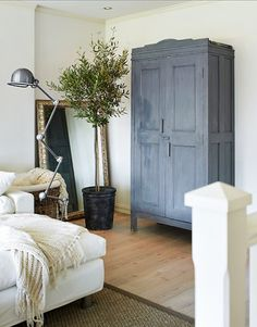 my Scandinavian Style Furniture home: One Off Pieces In The LA Home of An Artist and Designer Decor, Living Room Renovation, Furniture, Interior, Home, Home Bedroom, House Interior, Scandinavian Style Furniture, Interior Design