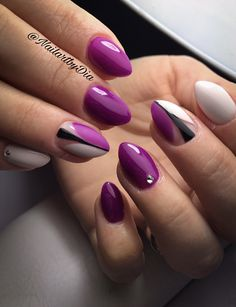 Nailart purple Fuchsia negative space