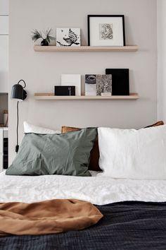 Stylish beige studio home Interior Design Kitchen beige Home Studio Stylish Decor Room, Home Decor Bedroom, Bedroom Apartment, Bedroom Ideas, Bedroom Signs, Bedroom Quotes, Diy Bedroom, Wall Decor, Bedroom Rustic