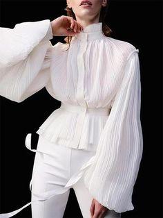Elegant Blouses – Page 2 – Ininruby Girl Fashion, Fashion Outfits, Womens Fashion, Fashion Design, Style Fashion, Modern Tops, Mode Inspiration, Mode Style, Shirt Style