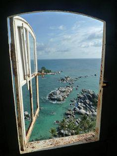 Window to the paradise   by Gildas Paraiso