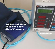 Blood Pressure Remedies 10 Simple Ways to Lower Blood Pressure Naturally - Do you want to lower your blood pressure without medication? Your diet, eating habits, what you eat Health And Nutrition, Health And Wellness, Health And Beauty, Health Fitness, Reducing High Blood Pressure, Lower Blood Pressure, Get Healthy, Healthy Tips, Blood Pressure Remedies