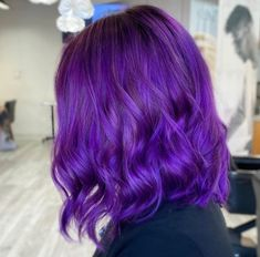 Fab hair friday 💁🏼‍♀️ • • Whether you're into plum, blue-violet, lilac or lavender shades, there's no doubt about it: Purple hair color is the undisputed queen of shades this year 👑 hair x @hairbynatalieivie from Salon 124 Grayson #124FAM Hair Color Purple, New Hair Colors, Lilac, Lavender, Shake It Off, Mermaid Hair, Big Hair, Summer Hairstyles, Hair Trends