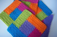 Ravelry: Simply Square Log Cabin Dishcloth pattern by Deborah Ellis The colors and the way the sides have been crocheted around the center piece, sets these lovely crochet square log cabin dishcloths apart . Log cabin dishcloth - maybe one day I'll learn Gilet Crochet, Crochet Dishcloths, Knit Or Crochet, Crochet Motif, Crochet Stitches, Free Crochet, Afghan Crochet, Crochet Home, Crochet Crafts