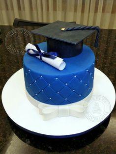 Ideas cake cookies blue for 2019 College Graduation Cakes, Graduation Cookies, Graduation Party Decor, Fondant Cakes, Cupcake Cakes, Cake Paris, Fun Cupcakes, Savoury Cake, Pretty Cakes