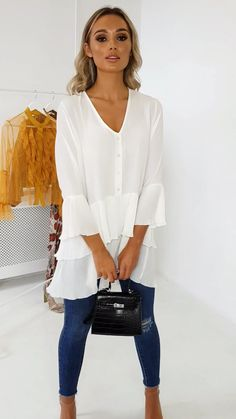 Diana Pleated Shirt Dress at ikrush White Blouse Outfit, Bluse Outfit, Long Shirt Outfits, Classy Outfits, Casual Outfits, Textiles Y Moda, Fall Fashion Outfits, Summer Outfits Women, Shirts For Leggings