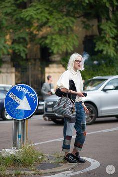 major. #PhoebeArnold working a Junya Watanabe/CdG/Prada combo in Milan. so good. #YoungJunKoo