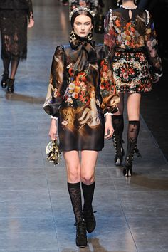 This dress is covered in cherubs and it is exactly what I want to wear to every Christmas party next year, ever! Dolce & Gabbana F/W '12.