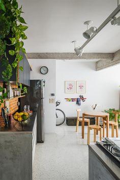 Mediterranean homes – Mediterranean Home Decor Home Decor Kitchen, Home Kitchens, Kitchen Design, Decorating Your Home, Interior Decorating, Sweet Home, Dinner Room, Mediterranean Homes, Interiores Design