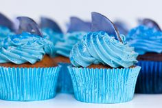 pictures of shark cakes   Cupcakes Take The Cake: Shark fin cupcakes for shark week!
