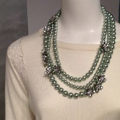Modern twist on a classic string of pearls #AnnHoliday @AnnTaylorStyle