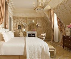 Inside the newly renovated Ritz Paris which recently reopened after a four year long restoration. @nicolasdepompadour will be arriving to explore the grandeur from tomorrow