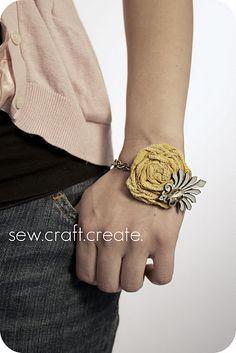 Rosette Bracelet tutorial || sew.craft.create. Love Love Love this