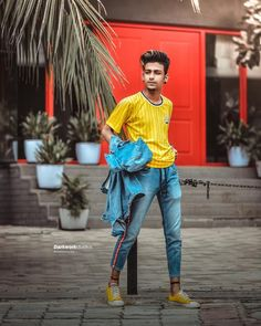 Blur Image Background, Love Background Images, Picsart Background, Best Poses For Men, Beach Photography Poses, Sitting Poses, Camera Raw, Standing Poses, Boy Poses