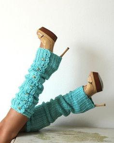 Turquoise leg warmers, yes please:)
