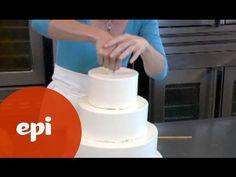 Stapeltaart maken: hoe maak je zelf een stapeltaart   Taarten maken, taart bakken en cupcakes versieren   Taart recepten