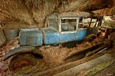 Abandoned - all kinds of stories cross your mind about the car!