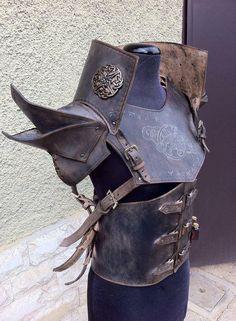 Hoi! Ik heb een geweldige listing gevonden op Etsy https://www.etsy.com/nl/listing/228866668/traveler-leather-armor-complete-set