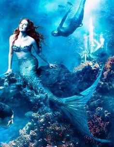 Google Image Result for http://blog.chron.com/sciguy/files/2012/07/Julianne-Moore-and-Michael-Phelps-as-Mermaids-disney-princess-6348439-310-400.jpg