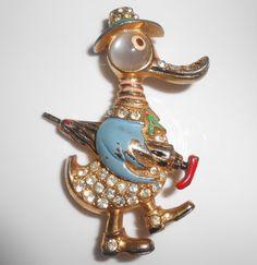 Duck Figural Brooch Pin 1940's Enamel by Libbysmomsvintage on Etsy