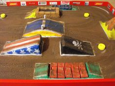 monster truck arena diy | Freestyle track diorama