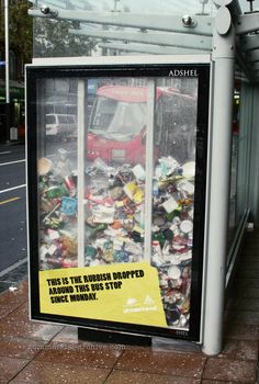 Pakkende campagne! Een beter milieu... This is the rubbish dropped around the bus stop since monday!