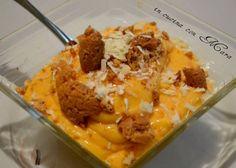 La crema di cachi e mascarpone è un delicato dessert al cucchiaio ottenuto frullando insieme polposi e maturi cachi con il mascarpone