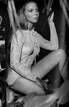 Penelope Tree photographed by David Bailey for Vogue, 1970