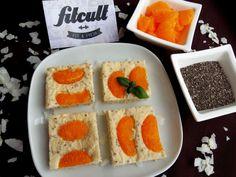 Skvělý tvarohovo mandarinkový koláč s chia semínky, ve kterém dominují bílkoviny (Recept) | REFRESHER.cz Stevia, Waffles, Food Ideas, Food And Drink, Breakfast, Morning Coffee, Waffle