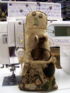 PRIMITIVE PIECES by LYNDA: Sewing Doll