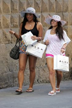 Jersey Shore crew spotted hanging out in Italy