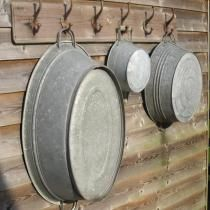 ~ Washday Wash Tubs ~ Like Bud's grandparents used at Rocky Top. The grandkids all bathed in a laundry tub when they stay with Ma & Pa Smith. Galvanized Buckets, Galvanized Metal, Country Decor, Country Living, Country Life, Country Farm, Farmhouse Style, Farmhouse Decor, French Farmhouse
