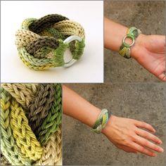 kötött - fonott karkötő zöld színátmenetes fonalból / knitted braided bracelet in green and gray